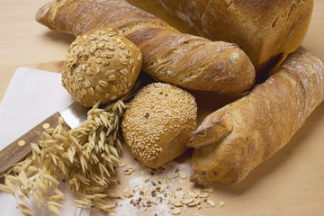 baguettes, wholemeal rolls, tin loaf and cereal ears