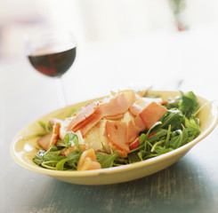rocket salad with mozzarella and ham