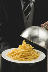chips on plate with dome cover
