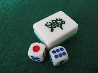 mahjong and dice