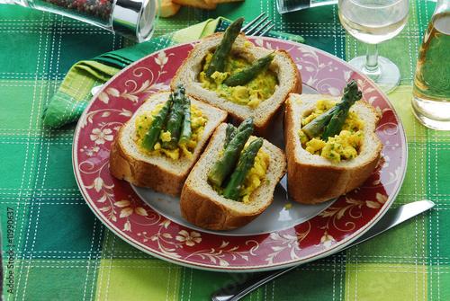 Asparagi e uova in cassetta - Contorni della lombardia
