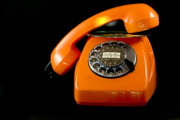 antikes Telefon orange mit CD