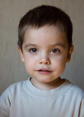 Portrait eines freundlichen Kindes im Vorschulalter