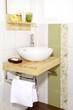 Waschtisch mit Deko - Handtuch - Seife
