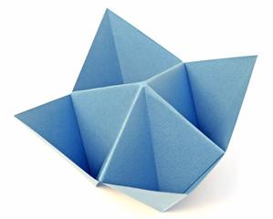 salière bleue en papier canson