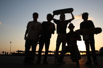skateboarder boys