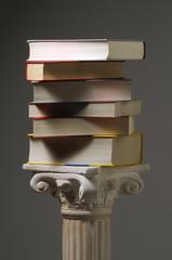 Libri su capitello