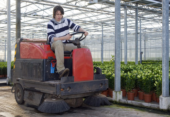 Cleaning a glasshouse