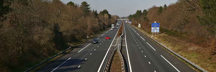 autoroute et campagne