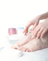 Washing of a female leg