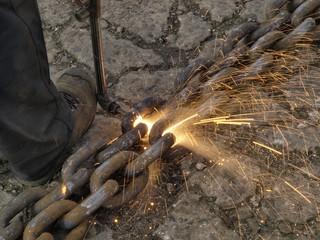 Cutting a steel chain