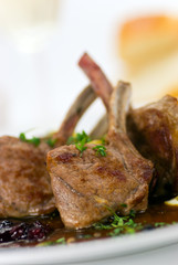 Lamm Medaillons - Filet- mit Gemüse