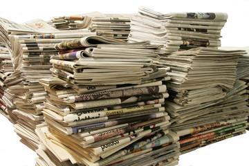 giornali su sfondo trasparente