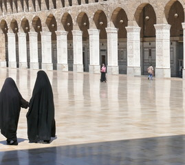 Women in a mosque. Omayyad Mosque. Damascus. Syria.