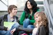 Discussion entre adolescents et lycéens