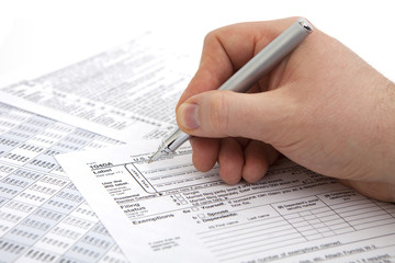 filling income tax form