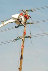 electrical linemen at work