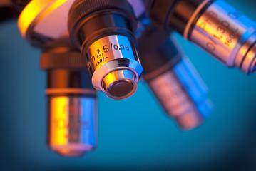 Microscope four lens turret