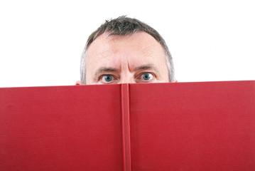 dietro un libro