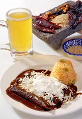 Enchiladas de mole rojo. México.