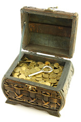 chest with coins ang key