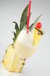 Pina Colada vor Ananas mit Garnierung