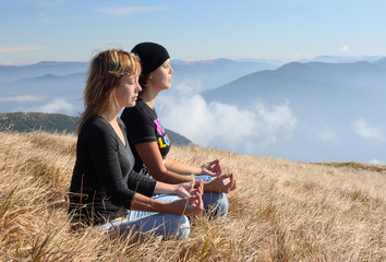 girls meditation