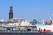 Hamburg mit Elbe, Hafen und Michel