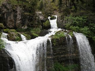 1734 - Cascades en Chartreuse (Alpes)