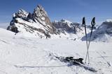 Skipause in den Dolomiten im Winter poster