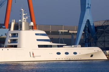 Luxusjacht in Kiel
