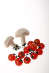 funghi e pomodori