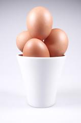 Ovos em uma taça