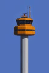 Kontrolltower am Flughafen