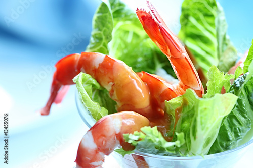 салат-коктейль из креветок - фото