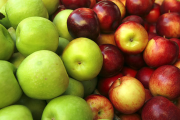 raw green and red apple heap