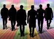 Silhouette di uomini su palco