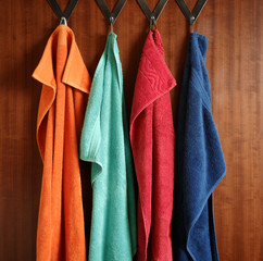hanging frottee towels