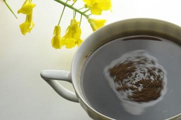 Miscela di orzo e caffe istantanea