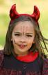 grand sourire de petit diable