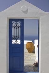 Puerta sobre el mar