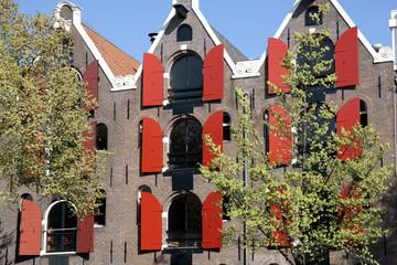 Volets rouges à Amsterdam
