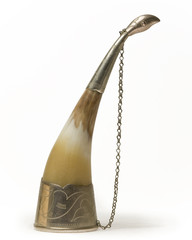 horn standing upside-down