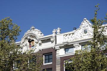 toits avec moulures, Amsterdam