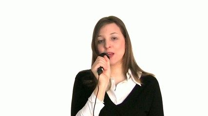 frau singt woman singing
