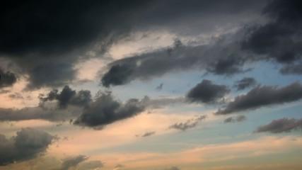 le ciel se couvre