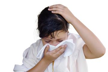 Niña estornudo gripe resfriado