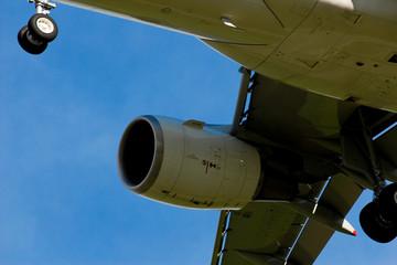 motore a reazione aereo passeggeri