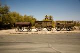 Alte Siedlerwagen vor der Furnance Creek Ranch, death valley poster