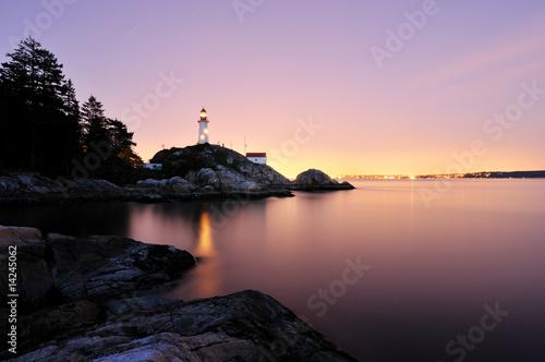 Leinwanddruck Bild Point Atkinson Lighthouse in West Vancouver, Long Exposure